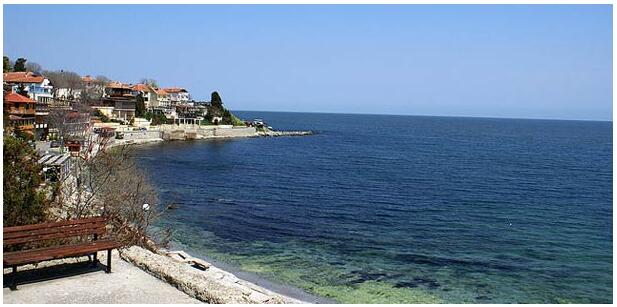 FLIGHTS, ACCOMMODATION AND MOVEMENT IN NESSEBAR